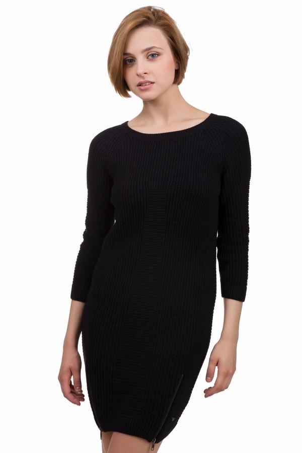 Платье QSПлатья<br>Молодежное женское платье от бренда QS черного цвета. Это изделие было выполнено из хлопка и полиакрила. Данная модель предназначена для зимнего сезона. Платье с длинными рукавами, средней длинны и свободного кроя. Дополнено молнией снизу. Подойдет как для важных мероприятий, так и для повседневной жизни.<br><br>Размер RU: 40-42<br>Пол: Женский<br>Возраст: Взрослый<br>Материал: хлопок 60%, полиакрил 40%<br>Цвет: Чёрный