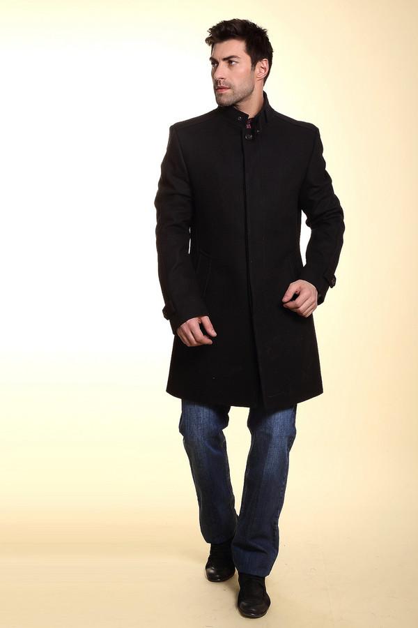Пальто CinqueПальто<br>Строгое мужское пальто от бренда Cinque чёрного цвета. Это изделие было выполнено из шерсти и полиэстера. Данная модель предназначена для демисезонного периода. Застежки на вороте и рукавах. Застегивается на одну пуговицу. Пальто средней длинны. Такая вещь - стильное и практичное решение на прохладную погоду.<br><br>Размер RU: 52<br>Пол: Мужской<br>Возраст: Взрослый<br>Материал: шерсть 70%, полиэстер 30%<br>Цвет: Чёрный