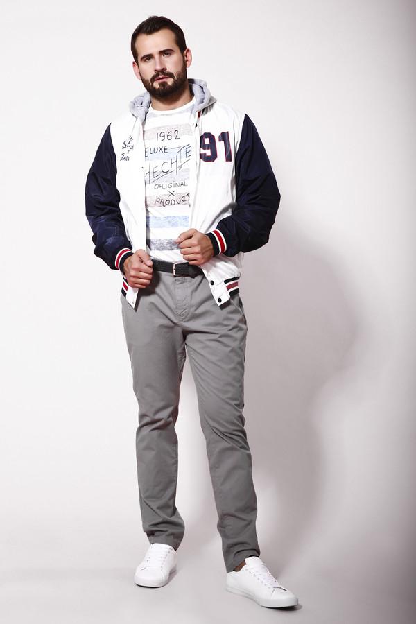 Брюки Eleven ParisБрюки<br>Стильные мужские брюки от бренда Eleven Paris серого цвета. Это изделие было выполнено из натурального хлопка. Данная модель предназначена для летней теплой погоды. Дополнены шлевками для ремня, карманами, застежкой, бежевым шнурком вместо ремня. Брюки низкой посадки. Отличный вариант для легкого летнего образа.