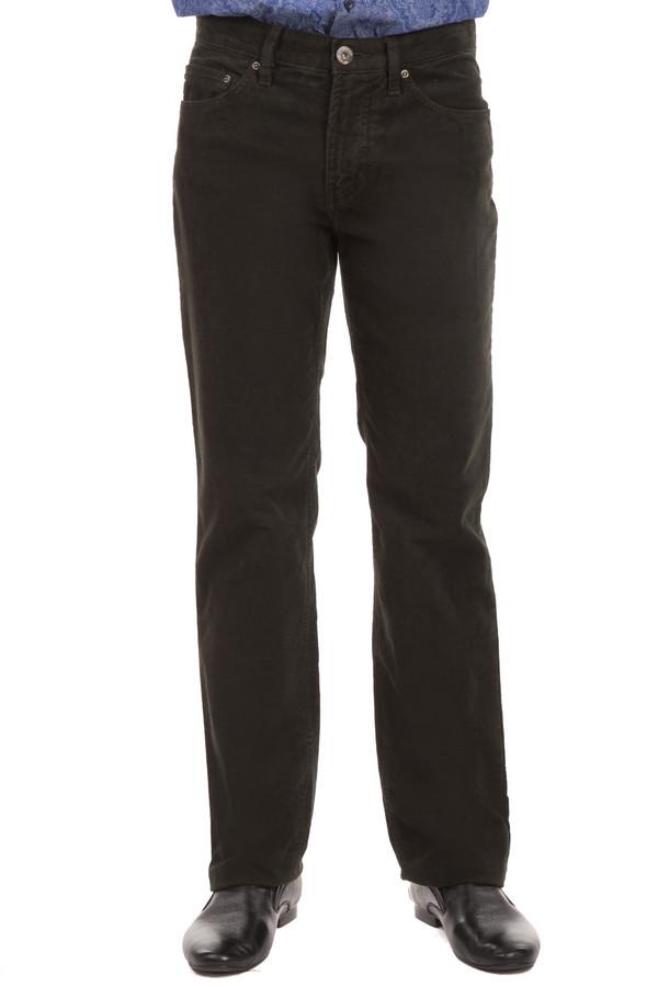 Брюки PezzoБрюки<br>Вельветовые мужские брюки Pezzo представлены в цвете хаки. Модель дополнена пятью стандартными карманами и шлевками для ремня. Изделие застегивается на молнию и фиксируется на пуговицу.<br><br>Размер RU: 54К<br>Пол: Мужской<br>Возраст: Взрослый<br>Материал: эластан 1%, хлопок 99%<br>Цвет: Зелёный