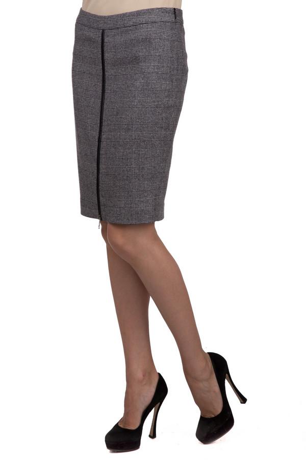 Юбка OuiЮбки<br>Модная женская юбка Oui серого цвета в черную клетку. Эта модель была сделана из эластана, полиамида, полиэстера, вискозы, шерсти и шелка. Данное изделие является демисезонным. Юбка средней длины. Спереди дополнена металлической декоративной молнией с кожаной оторочкой. Изделие смотрится стильно и оригинально. Гармонично сочетается с блузами и легкими пуловерами, отличный вариант для повседневного образа.<br><br>Размер RU: 40<br>Пол: Женский<br>Возраст: Взрослый<br>Материал: эластан 1%, полиамид 14%, полиэстер 23%, вискоза 10%, шерсть 38%, шелк 14%<br>Цвет: Чёрный