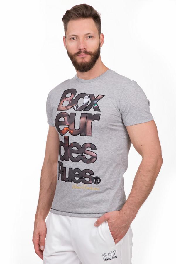 Футболкa Boxeur Des RuesФутболки<br>Удобная мужская футболка Boxeur Des Rues серого, чёрного, бежевого и коричневого цветов. Эта модель была сделана из хлопка и полиэстера. Данное изделие предназначено для летнего сезона. Дополнена крупной надписью названия бренда на сером фоне. С такой спортивно футболкой занятия спортом будут проходить ярче и продуктивнее.<br><br>Размер RU: 48<br>Пол: Мужской<br>Возраст: Взрослый<br>Материал: хлопок 50%, полиэстер 50%<br>Цвет: Разноцветный