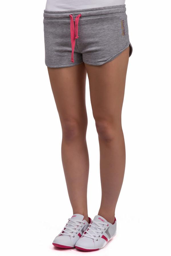 Шорты Boxeur Des RuesШорты<br>Спортивные женские шорты Boxeur Des Rues серого цвета. Это изделие было изготовлено из хлопка и полиэстера. Данная модель является летней. Шорты короткие и свободные. Дополнены ярко-розовой резинкой и крупным логотипом бренда сзади. Для занятий спортом, такие шорты являются альтернативой спортивным штанам в летнюю жаркую погоду.<br><br>Размер RU: 40-42<br>Пол: Женский<br>Возраст: Взрослый<br>Материал: хлопок 70%, полиэстер 30%<br>Цвет: Розовый