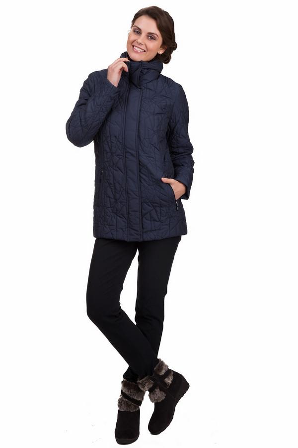 Куртка PezzoКуртки<br>Удобная женская куртка Pezzo темно-синего цвета. Это изделие было выполнено из полиэстера и нейлона. Данная модель предназначена для демисезонного периода. Куртка средней длины и с длинными рукавами. Дополнена боковыми карманами и стежками по всему изделию. Сочетается с однотонной и разноцветной одеждой. Можно сочетать даже с теплыми платьями.<br><br>Размер RU: 42<br>Пол: Женский<br>Возраст: Взрослый<br>Материал: полиэстер 91%, нейлон 9%<br>Цвет: Синий