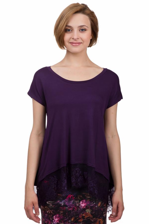 Футболка LocustФутболки<br>Оригинальная футболка от бренда Locust свободного кроя выполнена в темно-фиолетовом цвете из натурального хлопкового материала. Изделие дополнено: воротником-лодочка, удлиненной спинкой и короткими рукавами-кимоно. Нижний кант оформлен кружевной оторочкой.<br><br>Размер RU: 40-42<br>Пол: Женский<br>Возраст: Взрослый<br>Материал: хлопок 100%<br>Цвет: Фиолетовый
