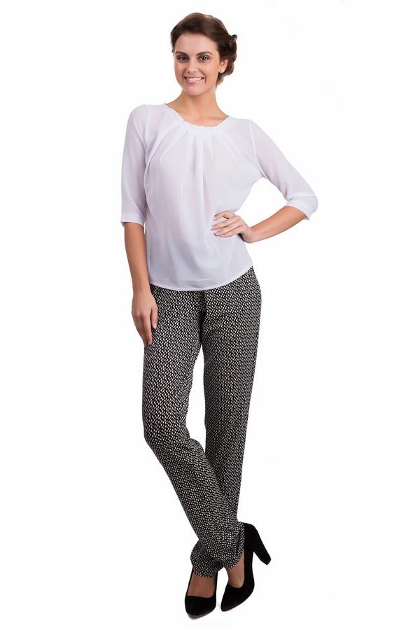 Блузa LocustБлузы<br>Элегантная женская блуза Locust белого цвета. Это изделие было выполнено из полиэстера. Данную модель можно носить круглый год. Блуза свободного кроя и с укороченными рукавами. Дополнена складками сверху и вырезом на спине. Можно носить с брюками, юбками и даже классическими шортами высокой посадки. Прекрасный вариант для праздничного образа.<br><br>Размер RU: 40-42<br>Пол: Женский<br>Возраст: Взрослый<br>Материал: полиэстер 100%<br>Цвет: Белый