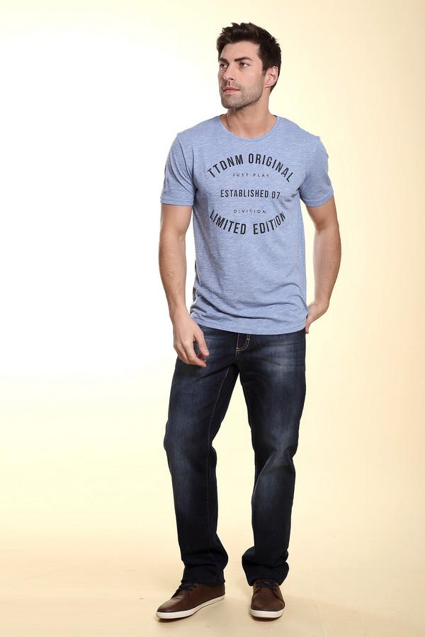 Модные джинсы Flavio NavaМодные джинсы<br>Темно-синие джинсы от бренда Flavio Nava прямого кроя выполнены из натурального хлопка. Изделие дополнено: шлевками, пятью стандартными карманами и центральной застежкой-молния с пуговицей. Джинсы декорированы потертостями и контрастной отстрочкой.<br><br>Размер RU: 56(L34)<br>Пол: Мужской<br>Возраст: Взрослый<br>Материал: хлопок 100%<br>Цвет: Синий