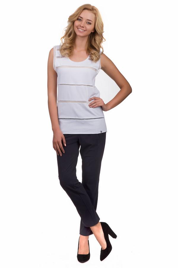 Брюки Betty BarclayБрюки<br>Спортивные женские брюки Betty Barclay темного синего цвета. Это изделие было выполнено из полиамида и эластана. Данная модель предназначена для демисезонного периода. Брюки свободного кроя. Дополнены резинкой и шнурками. Практичный и стильный вариант для занятий спортом или просто для вечерней прогулки.