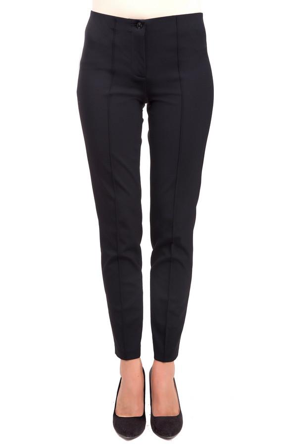 Брюки CambioБрюки<br>Стильные женские брюки Cambio черного цвета. Это изделие было выполнено из эластана и полиамида. Данная модель предназначена для демисезонного периода. Брюки средней посадки. Сидят по фигуре. Застегиваются на молнию и пуговицу. Дополнены задними карманами. Носить можно с одеждой разных стилей и расцветок.<br><br>Размер RU: 42<br>Пол: Женский<br>Возраст: Взрослый<br>Материал: эластан 8%, полиамид 92%<br>Цвет: Чёрный
