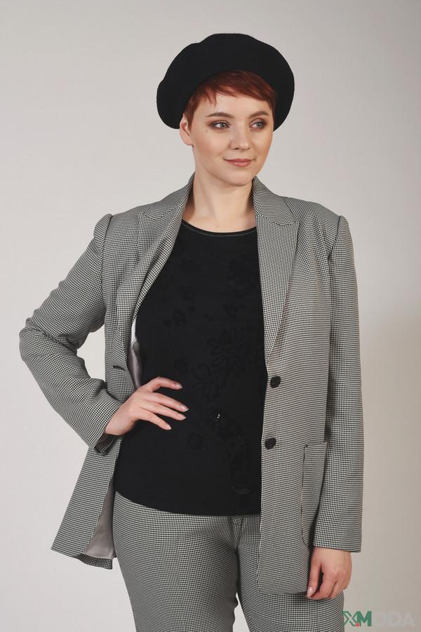 женская шапка escada