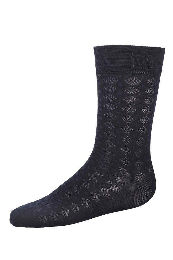 Носки PezzoНоски<br>Комплект мужских темно-синих носков состоящий из 2 пар от бренда Pezzo выполнены из хлопка с добавлением эластана. Изделие дополнено широкой эластичной трикотажной резинкой. Носки оформлены вязанным геометрическим узором.<br><br>Размер RU: 43-46<br>Пол: Мужской<br>Возраст: Взрослый<br>Материал: хлопок 70%, нейлон 30%<br>Цвет: Синий