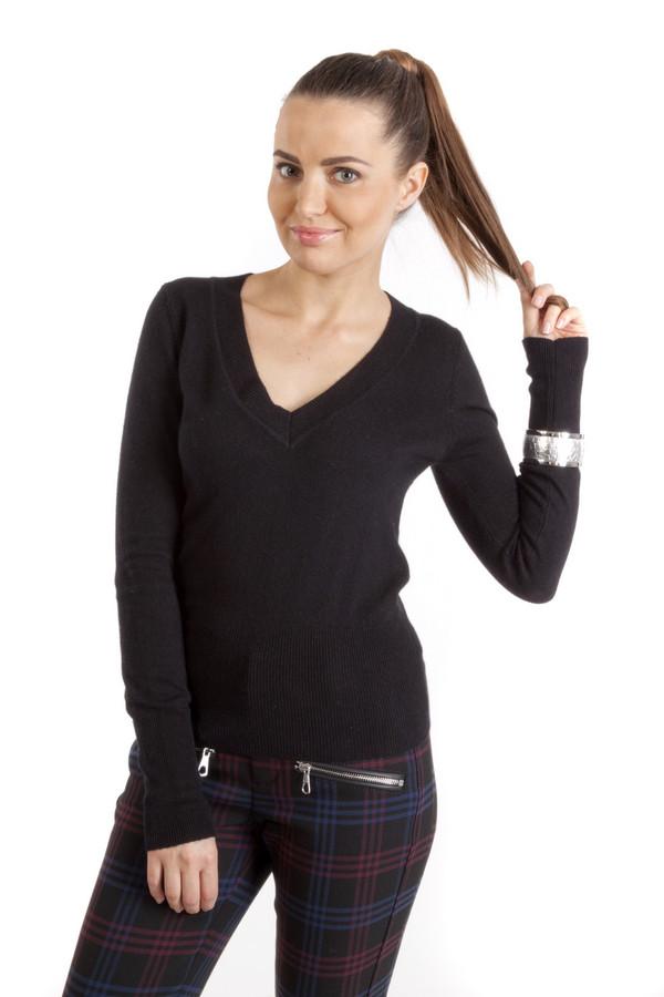 Пуловер Sai-KuПуловеры<br>Однотонный пуловер от бренда Sai-ku прилегающего кроя выполнен из мягкого трикотажа черного цвета. Изделие дополнено: v-образным вырезом и длинными рукавами. Ворот, нижний кант и манжеты оформлены вязанной эластичной трикотажной резинкой. Универсальный пуловер прекрасно сочетается с  юбками ,  брюками  и  джинсами .<br><br>Размер RU: 48-50<br>Пол: Женский<br>Возраст: Взрослый<br>Материал: вискоза 40%, хлопок 10%, кашемир 7%, полиамид 36%, ангора 7%<br>Цвет: Чёрный