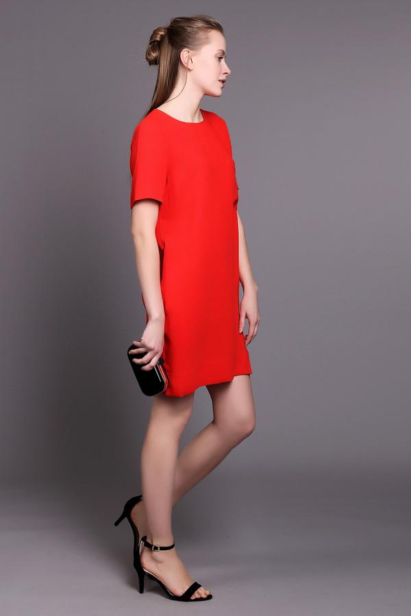 Платье EssentielПлатья<br>Короткое женское платье Essentiel красного и черного цветов. Эта модель была сделана из полиэстера. Она предназначена для летней погоды. Изделие сзади дополнено черной застежкой на молнии и спереди карманом на груди. Платье свободного кроя. Рукава у него короткие. Лучше всего сочетается с черными аксессуарами.<br><br>Размер RU: 42<br>Пол: Женский<br>Возраст: Взрослый<br>Материал: полиэстер 100%<br>Цвет: Чёрный