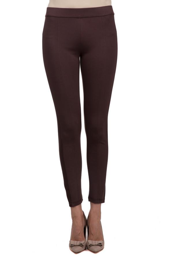 Брюки Just ValeriБрюки<br>Облегающие женские Just Valeri коричневого цвета. Эта модель была сделана из вискозы, нейлона и спандекса. Данное изделие предназначено для демисезонного периода. Лучше всего сочетаются с объемными пуловерами, топами, футболками или блузами.<br><br>Размер RU: 48<br>Пол: Женский<br>Возраст: Взрослый<br>Материал: вискоза 68%, нейлон 26%, спандекс 6%<br>Цвет: Коричневый