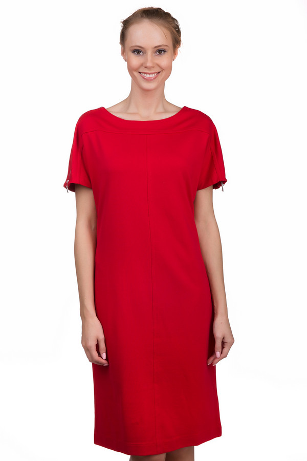 Платье Just ValeriПлатья<br>Яркое женское платье Just Valeri красного цвета. Это изделие было выполнено из вискозы, нейлона и спандекса. Данную модель можно носить круглый год. Платье средней длины и с короткими рукавами. Вырез полукруглый и не глубокий. Дополнено разрезами на рукавах.<br><br>Размер RU: 42<br>Пол: Женский<br>Возраст: Взрослый<br>Материал: вискоза 68%, нейлон 26%, спандекс 6%<br>Цвет: Красный