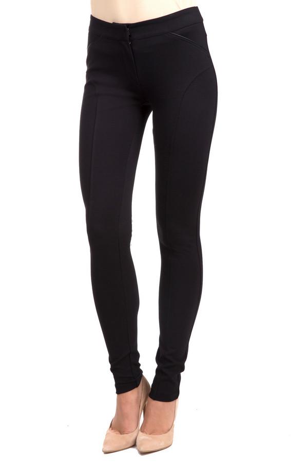 Брюки PezzoБрюки<br>Практичные женские брюки Pezzo черного цвета. Это изделие было выполнено из вискозы, нейлона и спандекса. Данная модель предназначена для демисезонного периода. Брюки низкой посадки. Дополнены застежкой и карманами. Лучше всего сочетается с объемным и разноцветным верхом.<br><br>Размер RU: 52<br>Пол: Женский<br>Возраст: Взрослый<br>Материал: вискоза 63%, нейлон 33%, спандекс 4%<br>Цвет: Чёрный