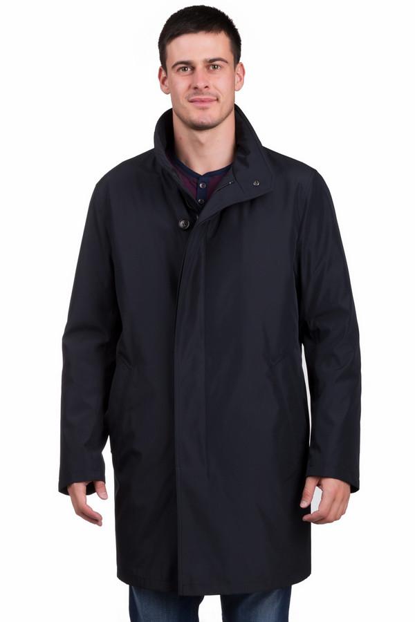 Пальто BugattiПальто<br>Классическое мужское пальто Bugatti синего цвета с коричневыми элементами. Изделие было изготовлено из полиэстера. Данная модель предназначена для демисезонного периода. Пальто средней длины, свободного кроя. Дополнено боковыми карманами. Застегивается с помощью пуговицы и молнии. Оптимальный вариант на каждый день.<br><br>Размер RU: 58K<br>Пол: Мужской<br>Возраст: Взрослый<br>Материал: полиэстер 100%<br>Цвет: Разноцветный