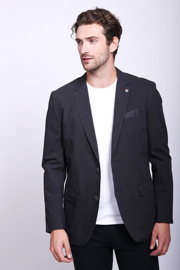 Пиджак CalamarПиджаки<br>Стильный мужской пиджак Calamar синего цвета с коричневыми деталями. Данная модель была сделана из натурального хлопка. Изделие является демисезонным. Пиджак дополнен карманами на груди и по бокам. Украшен пуговицами на воротнике и рукавах. Застегивается на две серебристые пуговицы. Оптимальный вариант для важного мероприятия.