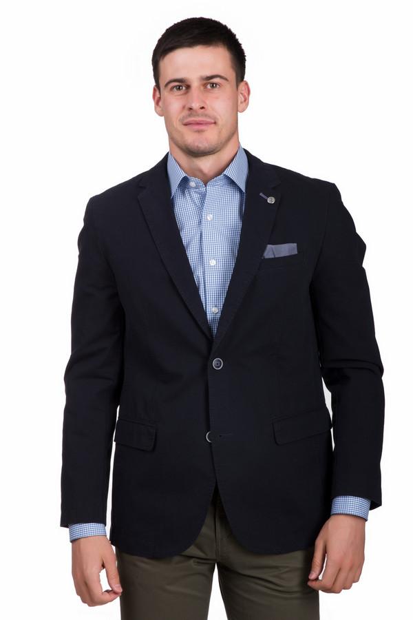 Пиджак CalamarПиджаки<br>Универсальный мужской пиджак Calamar синего цвета. Данная модель была сделана из натурального хлопка. Изделие является демисезонным. Пиджак дополнен карманами на груди и по бокам. Украшен пуговицами на воротнике и рукавах. Застегивается на две серебристые пуговицы. Хорошее решение для вечернего выхода.<br><br>Размер RU: 52К<br>Пол: Мужской<br>Возраст: Взрослый<br>Материал: хлопок 100%<br>Цвет: Синий