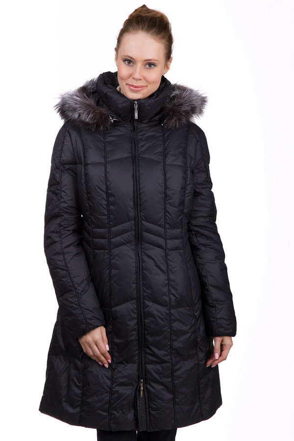 Пальто PezzoПальто<br>Стильное женское пальто Pezzo черного цвета. Это изделие было выполнено из нейлона. Данная модель предназначена для холодной зимней погоды. Пальто средней длины. Дополнена боковыми карманами и капюшоном с мехом. Застегивается с помощью молнии. Это теплое и практичное решение на зиму. Сочетается с разной одеждой.<br><br>Размер RU: 48<br>Пол: Женский<br>Возраст: Взрослый<br>Материал: нейлон 100%<br>Цвет: Чёрный