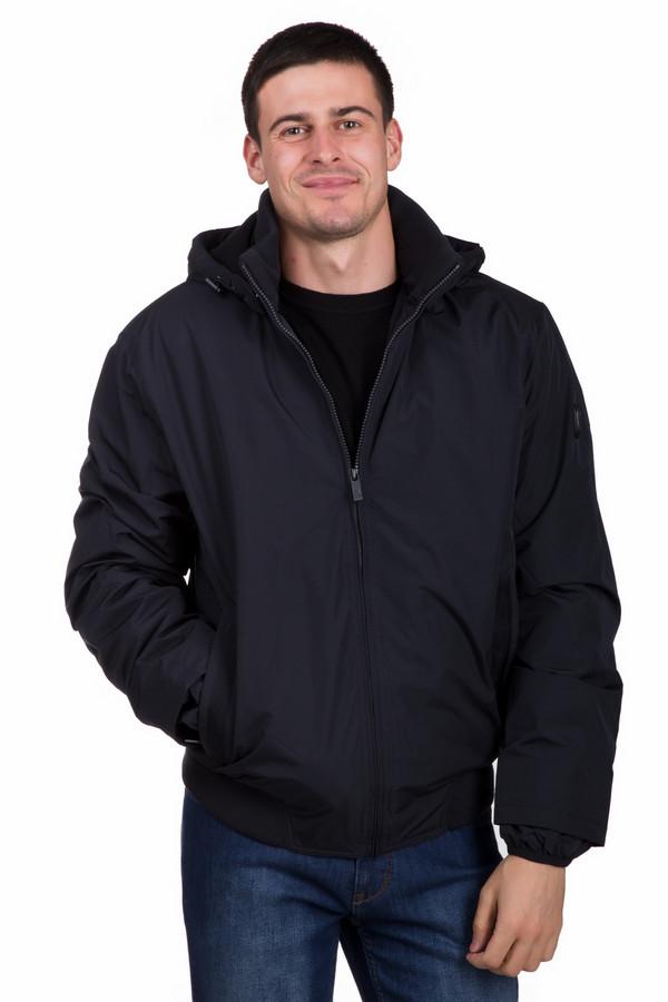 Куртка Just ValeriКуртки<br>Теплая мужская куртка Just Valeri черного цвета. Эта модель была сделана из полиэстера. Изделие предназначено для зимнего сезона. Куртка короткая. Дополнена капюшоном и боковыми карманами. Застёгивается на незаметную молнию. Подойдет тем, кто любит практичность и простоту в одежде. Отличный вариант на каждый день.<br><br>Размер RU: 56<br>Пол: Мужской<br>Возраст: Взрослый<br>Материал: полиэстер 100%<br>Цвет: Чёрный