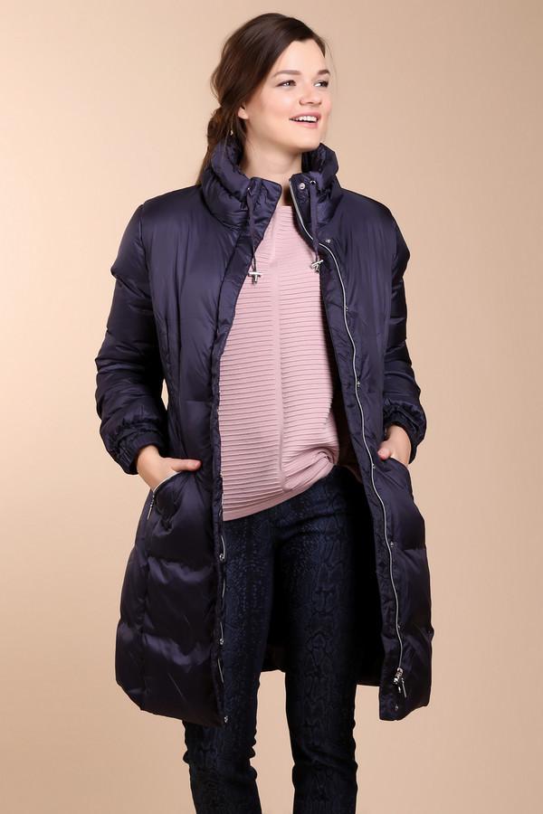 Пальто PezzoПальто<br>Практичное женское пальто Pezzo синего цвета. Это изделие было выполнено из нейлона. Данная модель предназначена для холодной зимней погоды. Пальто длинное. Дополнено карманами, резинками на рукавах и шнурками на вороте. Застегивается с помощью молнии. Изделие является универсальным решением для прохладной погоды.<br><br>Размер RU: 42<br>Пол: Женский<br>Возраст: Взрослый<br>Материал: нейлон 100%<br>Цвет: Синий