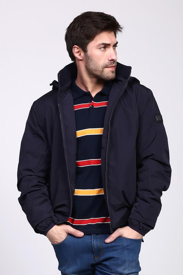 Куртка Just ValeriКуртки<br>Практичная мужская куртка Just Valeri темного синего цвета. Эта модель была сделана из полиэстера. Изделие предназначено для зимнего сезона. Куртка короткая. Дополнена капюшоном и боковыми карманами. Застёгивается на незаметную молнию. Подойдет тем, кто любит практичность и простоту в одежде. Хорошее решение для повседневного образа.<br><br>Размер RU: 54<br>Пол: Мужской<br>Возраст: Взрослый<br>Материал: полиэстер 100%<br>Цвет: Синий