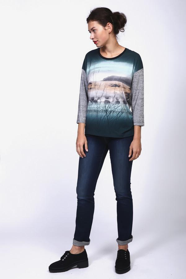 Джинсы Just ValeriДжинсы<br>Практичные женские джинсы Just Valeri синего цвета. Это изделие было выполнено из хлопка, эластана и полиэстера. Модель можно носить круглый год. Джинсы низкой посадки. Облегают фигуру. Дополнены светлыми строчками сверху и потертостями на штанинах. Оптимальный вариант на каждый день. Можно сочетать с одеждой разных стилей и фасонов.<br><br>Размер RU: 40<br>Пол: Женский<br>Возраст: Взрослый<br>Материал: хлопок 92%, эластан 1%, полиэстер 7%<br>Цвет: Синий