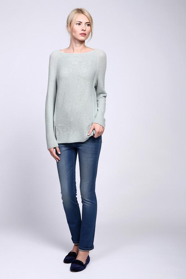 Джинсы Just ValeriДжинсы<br>Классические женские джинсы Just Valeri светлого голубого цвета. Эта модель была изготовлена из хлопка, эластана и полиэстера. Изделие можно носить круглый год. Штаны средней посадки. Облегают фигуру. Подчеркивают линию бедер. Дополнены потертостями на штанинах. Лучше всего смотрится со светлой одеждой.<br><br>Размер RU: 44<br>Пол: Женский<br>Возраст: Взрослый<br>Материал: хлопок 92%, эластан 1%, полиэстер 7%<br>Цвет: Голубой