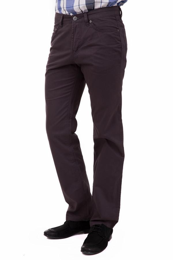 Брюки PezzoБрюки<br>Стильные мужские брюки от бренда Pezzo темного синего цвета с белыми деталями. Данное изделие было изготовлено из натурального хлопка. Эта модель предназначена для демисезона. Штаны сидят по фигуре. Благодаря универсальной расцветке, брюки можно носить не только на работу, но и на любые мероприятия.<br><br>Размер RU: 48<br>Пол: Мужской<br>Возраст: Взрослый<br>Материал: хлопок 100%<br>Цвет: Разноцветный