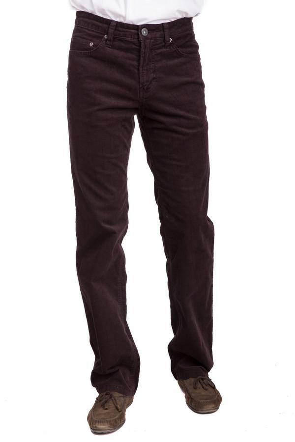 Брюки PezzoБрюки<br>Универсальные мужские брюки от бренда Pezzo коричневого цвета. Данное изделие было изготовлено из эластана и хлопка. Эта модель является демисезонной. Штаны средней посадки. Не облегают. Отлично смотрятся со светлыми вещами. Брюки можно сочетать с обувью разных стилей (кеды или туфли). В любом случае, они будут смотреться стильно.<br><br>Размер RU: 52<br>Пол: Мужской<br>Возраст: Взрослый<br>Материал: эластан 1%, хлопок 99%<br>Цвет: Коричневый