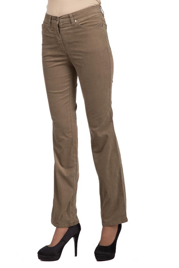 Брюки PezzoБрюки<br>Стильные женские брюки от бренда Pezzo бежевого цвета. Это изделие было выполнено из эластана и хлопка. Модель является демисезонной. Брюки средней посадки. Вверху облегают, а снизу слегка расклешенные. Лучше всего сочетается с однотонной одеждой и сдержанной обувью. Такая вещь придаст повседневному образу свежести и легкости.<br><br>Размер RU: 44<br>Пол: Женский<br>Возраст: Взрослый<br>Материал: эластан 1%, хлопок 99%<br>Цвет: Бежевый