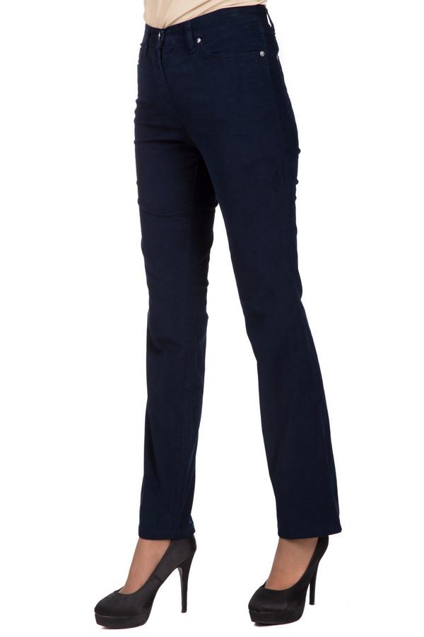 Брюки PezzoБрюки<br>Универсальные женские брюки от бренда Pezzo темного синего цвета. Это изделие было выполнено из эластана и хлопка. Модель предназначена для демисезонного периода. Штаны высокой посадки. Сверху облегающие, снизу слегка расклешенные. Идеальный вариант для тех, кто любит классику в одежде. Лучше всего смотрится с обувью на каблуке.<br><br>Размер RU: 44<br>Пол: Женский<br>Возраст: Взрослый<br>Материал: эластан 1%, хлопок 99%<br>Цвет: Синий