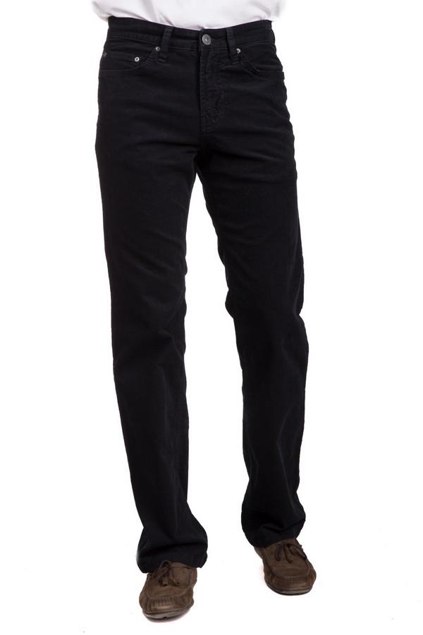 Брюки PezzoБрюки<br>Модные мужские брюки от бренда Pezzo черного цвета. Это изделие было выполнено из эластана и хлопка. Модель предназначена для демисезонного периода. Штаны сидят по фигуре. Дополнены серебристыми пуговицами и шлевками для ремня. Оптимальный вариант для повседневного образа. Такая вещь является незаменимой в гардеробе.<br><br>Размер RU: 50К<br>Пол: Мужской<br>Возраст: Взрослый<br>Материал: эластан 1%, хлопок 99%<br>Цвет: Чёрный