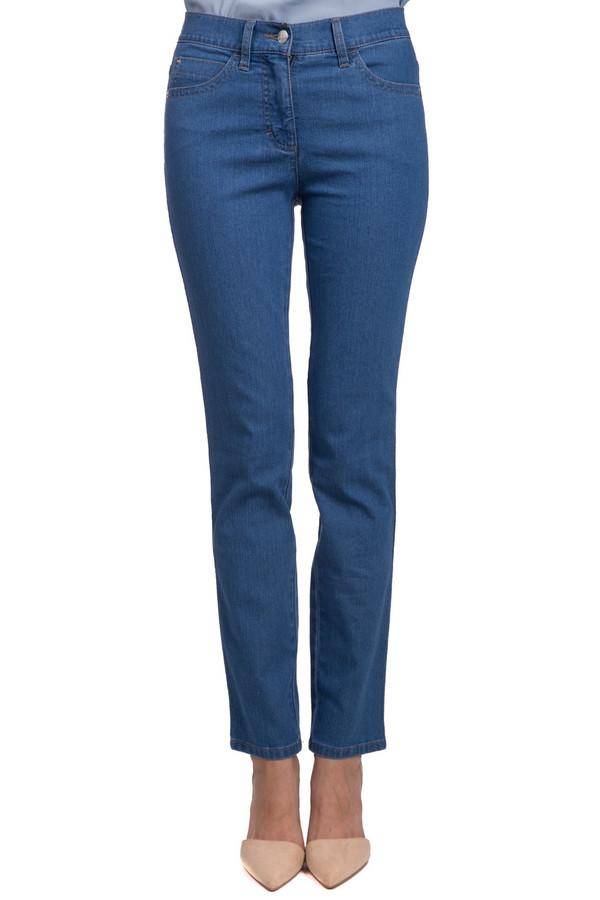 Джинсы PezzoДжинсы<br>Стильные женские джинсы от бренда Pezzo голубого цвета. Данное изделие было выполнено из эластана, хлопка и полиэстера. Модель можно носить в любое время года. Штаны средней посадки. Сверху облегающие, а снизу прямые. Такая вещь является универсальной. Добавив яркие украшения и обувь на каблуке, можно идти на вечеринку.<br><br>Размер RU: 42<br>Пол: Женский<br>Возраст: Взрослый<br>Материал: эластан 1%, хлопок 80%, полиэстер 19%<br>Цвет: Голубой