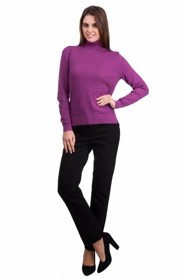Водолазка PezzoВодолазки<br>Практичный женский пуловер Pezzo цвета фуксии. Данное изделие было выполнено из хлопка, ангоры, кашемира и нейлона. Эта модель предназначена для холодной зимней погоды. Пуловер свободного кроя, с длинными рукавами и длинным воротом. Дополнен интересной вязкой. Сочетается с темной одеждой. Практичное и стильное решение для зимы.<br><br>Размер RU: 48<br>Пол: Женский<br>Возраст: Взрослый<br>Материал: хлопок 55%, ангора 5%, кашемир 3%, нейлон 37%<br>Цвет: Сиреневый