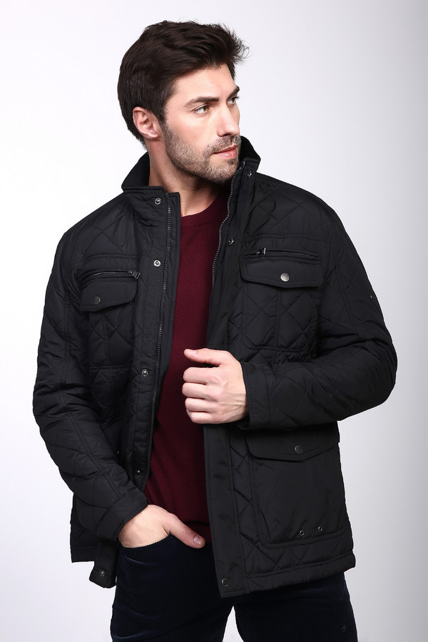 Куртка PezzoКуртки<br>Практичная мужская куртка от бренда Pezzo черного цвета. Данное изделие было изготовлено из полиэстера. Эта модель предназначена для демисезонного периода. По длине куртка короткая. Дополнена стежками и удобными карманами. Застегивается на молнию и кнопки. Отличный вариант для повседневного образа. Легко сочетается с одеждой различных цветов и стилей.<br><br>Размер RU: 52<br>Пол: Мужской<br>Возраст: Взрослый<br>Материал: полиэстер 100%<br>Цвет: Чёрный