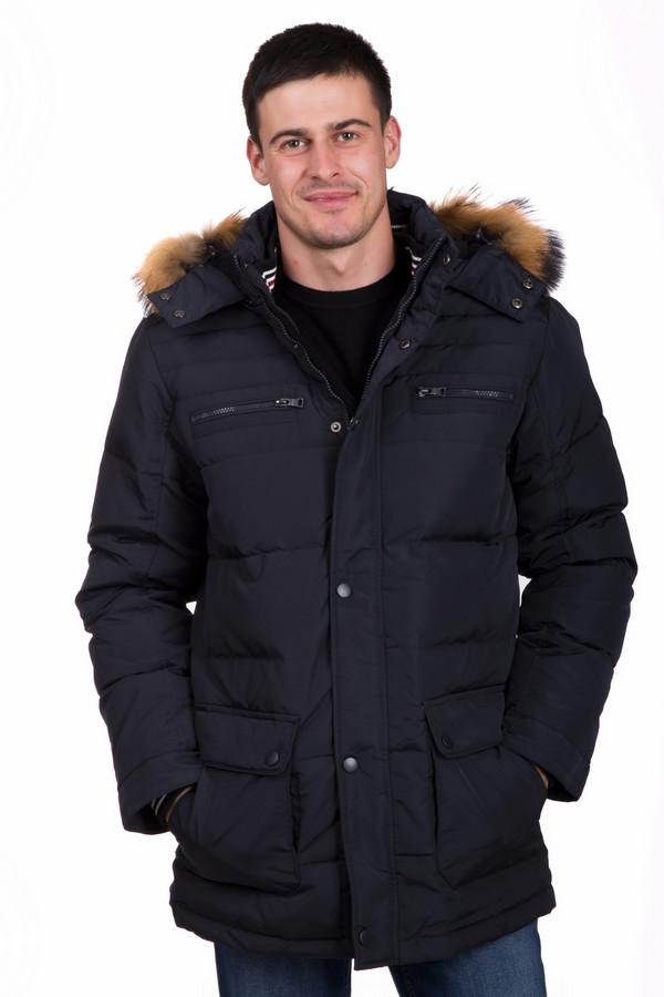 Куртка PezzoКуртки<br>Стильная мужская куртка от бренда Pezzo темного синего цвета. Эта модель изготовлена из полиэстера. Изделие предназначено для зимнего периода. Куртка немного прикрывает бедра. Дополнена капюшоном с мехом и боковыми карманами. Застегивается на молнию и металлические кнопки. Хорошо будет смотреться с грубыми ботинками и свободными штанами.<br><br>Размер RU: 56<br>Пол: Мужской<br>Возраст: Взрослый<br>Материал: полиэстер 100%, Состав_наполнитель перо 20%, Состав_наполнитель пух гусин. 80%<br>Цвет: Синий