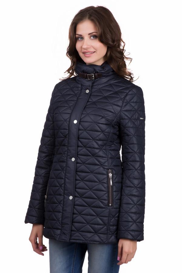 Куртка PezzoКуртки<br>Простая женская куртка от бренда Pezzo темного синего цвета. Это изделие было изготовлено полностью из полиэстера. Данная модель предназначена для весны и осени. Куртка прикрывает бедра. Дополнена удобными карманами, капюшоном, ремешком на воротнике и строчками. Есть акцент а талии.<br><br>Размер RU: 42<br>Пол: Женский<br>Возраст: Взрослый<br>Материал: полиэстер 100%<br>Цвет: Синий