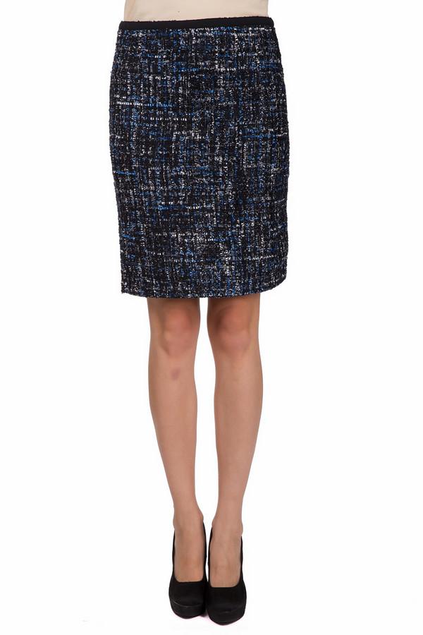 Юбка Just ValeriЮбки<br>Стильная женская юбка Just Valeri черного цвета с серыми и синими вкраплениями. Эта модель была сделана из полиэстера. Данное изделие было создано для осени и весны. Юбка выше колен. Облегает фигуру. Дополнена красивым разноцветным рисунком. Хорошо сочетается с женственными блузами или однотонными футболками.<br><br>Размер RU: 44<br>Пол: Женский<br>Возраст: Взрослый<br>Материал: полиэстер 100%<br>Цвет: Разноцветный