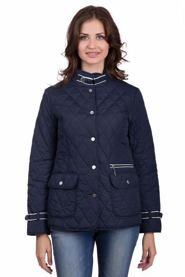 Куртка PezzoКуртки<br>Стильная женская куртка Pezzo темно-синего цвета с белыми элементами. Это изделие было выполнено из полиэстера. Данная модель предназначена для демисезонного периода. Куртка короткая. Дополнена боковыми карманами. Застегивается с помощью маленьких металлических кнопок, молнии и ремешка на вороте и на рукавах. Будет ярким акцентом в образе.<br><br>Размер RU: 44<br>Пол: Женский<br>Возраст: Взрослый<br>Материал: полиэстер 100%<br>Цвет: Синий