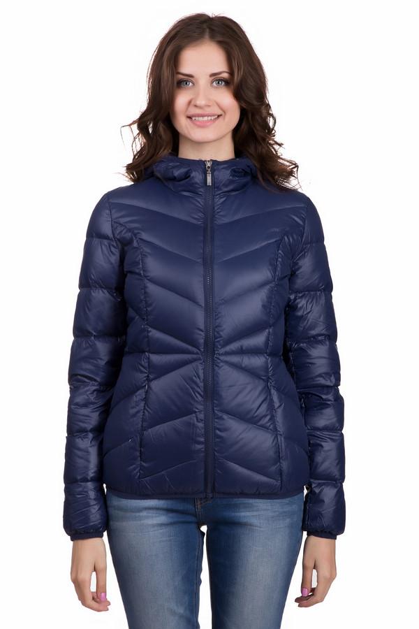 Пуховик PezzoПуховики<br>Удобная женская куртка от бренда Pezzo синего цвета. Данная модель сделана полностью из нейлона. Такое изделие можно носить осенью и весной. Куртка по длине выше бедер. Дополнена удобным капюшоном сзади и боковыми карманами. Благодаря темному цвету, легко подобрать теплые аксессуары. Отлично подойдет тем кому по душе спортивный стиль в одежде.<br><br>Размер RU: 46<br>Пол: Женский<br>Возраст: Взрослый<br>Материал: нейлон 100%<br>Цвет: Синий