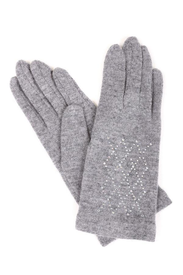 Перчатки RoecklПерчатки<br>Стильные женские перчатки Roeckl серого цвета с серебристыми деталями. Изделие было изготовлено из шерсти и нейлона. Такая модель идеально подойдет для зимней погоды. Перчатки украшены серебристыми камнями. Хорошо подойдут под классическое пальто или пуховик не спортивного стиля. Лучше всего сочетать с шарфом и головным убором в тон.<br><br>Размер RU: один размер<br>Пол: Женский<br>Возраст: Взрослый<br>Материал: шерсть 80%, нейлон 20%<br>Цвет: Серебристый