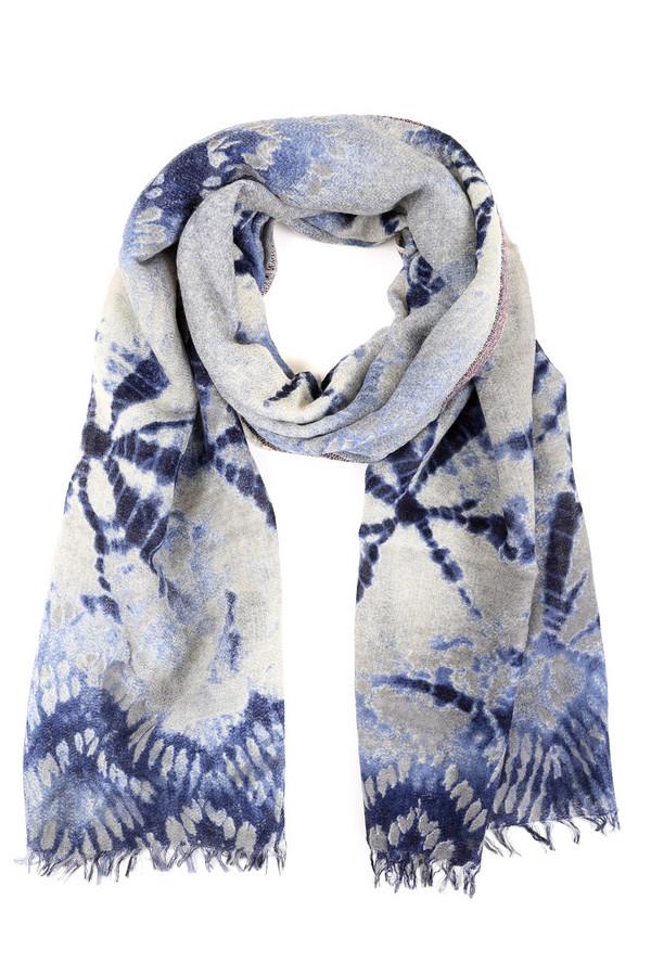 Шарф PassigattiШарфы<br>Яркий женский шарф Passigatti серого цвета с голубыми и синими элементами. Данное изделие было изготовлено из шерсти, полиэстера и полиакрила. Эта модель предназначена для демисезонного периода. Аксессуар дополнен интересным узором. Хорошо смотрится с однотонной одеждой. Добавит повседневному образу яркости и нежности.<br><br>Размер RU: один размер<br>Пол: Женский<br>Возраст: Взрослый<br>Материал: шерсть 97%, полиэстер 1%, полиакрил 2%<br>Цвет: Разноцветный