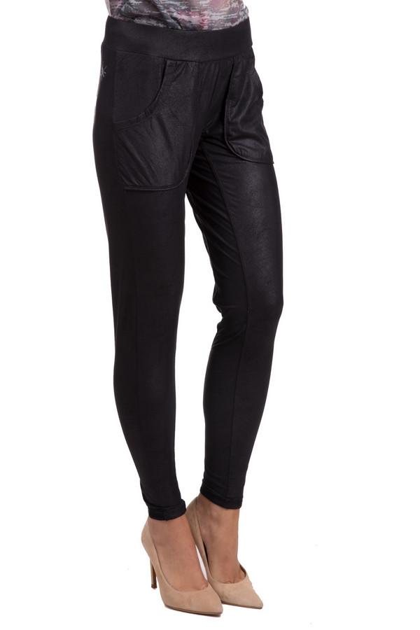 Брюки GwyneddsБрюки<br>Практичные женские брюки Gwynedds темного серого цвета. Это изделие было выполнено из эластана и полиэстера. Данная модель предназначена для демисезонного периода. Брюки прилегающего кроя и средней посадки. Дополнены резинкой сверху и боковыми карманами. Хорошо сочетаются с одеждой разных стилей и расцветок.<br><br>Размер RU: 46-48<br>Пол: Женский<br>Возраст: Взрослый<br>Материал: эластан 12%, полиэстер 88%<br>Цвет: Серый