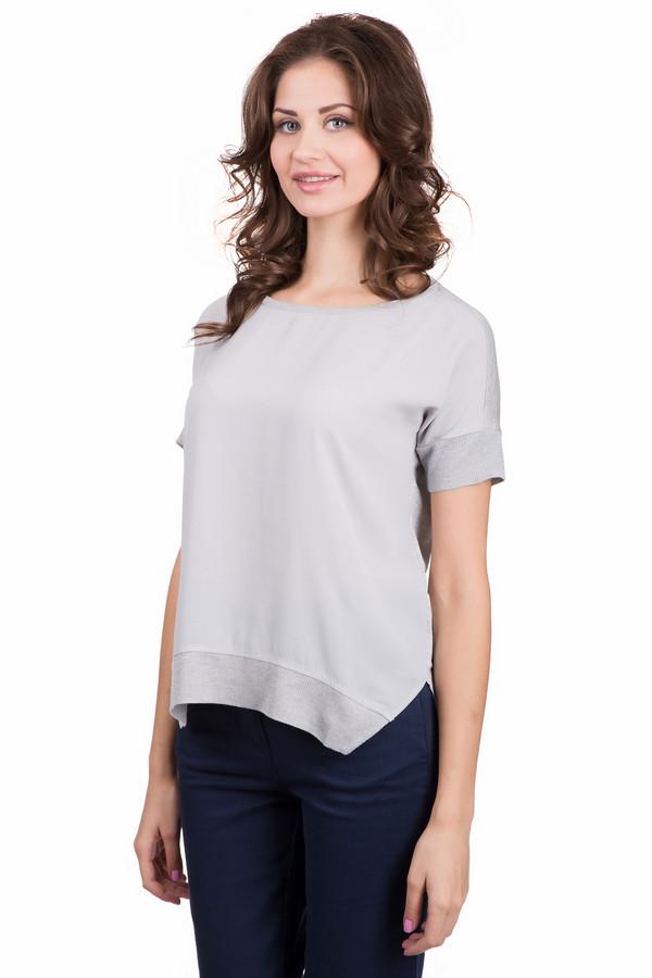 Футболка s.OliverФутболки<br>Модная женская футболка s.Oliver светло-серого цвета. Данное изделие было изготовлено из вискозы. Эта модель предназначена для летнего сезона. Футболка свободного кроя. Дополнена разрезами по бокам. Спинка длиннее передней части. Можно носить навыпуск и заправленном виде. Универсальная вещь для разнообразных мероприятий.<br><br>Размер RU: 40<br>Пол: Женский<br>Возраст: Взрослый<br>Материал: вискоза 100%<br>Цвет: Серый