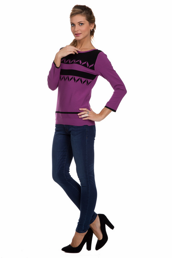 Классические джинсы s.OliverКлассические джинсы<br>Классические женские джинсы s.Oliver синего цвета. Это изделие состоит из хлопка и эластана. Такую модель можно носить в любое время года. Штаны узкие, низкой посадки. Можно носить как клетчатыми рубашками, теплыми пуловерами, так и с женственными топами или блузами. Незаменимая вещь в гардеробе.<br><br>Размер RU: 40<br>Пол: Женский<br>Возраст: Взрослый<br>Материал: хлопок 98%, эластан 2%<br>Цвет: Синий