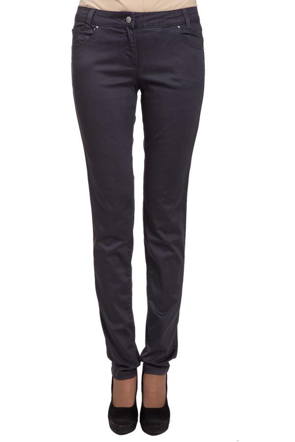 Брюки s.OliverБрюки<br>Модные женские брюки s.Oliver серого цвета. Изделие состоит из лиоцела, хлопка и эластана. Такую модель можно носить в любое время года. Штаны низкой посадки. Облегают фигуру. Лучше всего будет сочетаться с просторными туниками, топами, блузами и свитерами.<br><br>Размер RU: 42<br>Пол: Женский<br>Возраст: Взрослый<br>Материал: эластан 4%, хлопок 38%, лиоцел 58%<br>Цвет: Серый