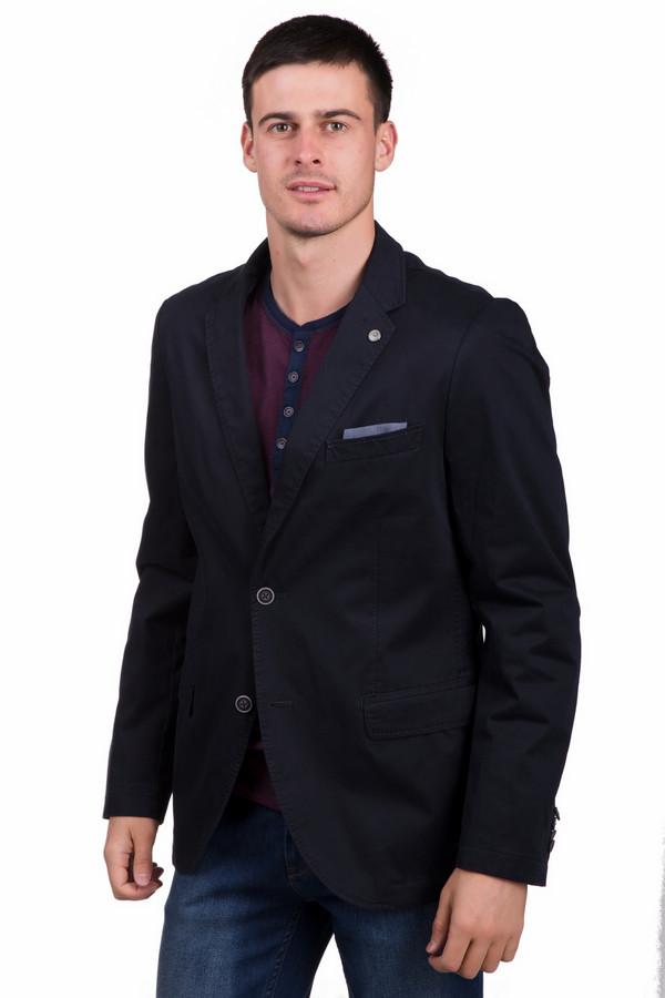 Пиджак CalamarПиджаки<br>Классический мужской пиджак Calamar темно синего цвета. Изделие состоит из хлопка и эластана. Данная модель создана для осени и весны. Пиджак дополнен боковыми карманами. Застегивается на две коричневые пуговицы. Рукава дополнены тремя маленькими пуговицами. Это хороший вариант для деловых встреч и важных мероприятий.<br><br>Размер RU: 50L<br>Пол: Мужской<br>Возраст: Взрослый<br>Материал: хлопок 98%, эластан 2%<br>Цвет: Синий