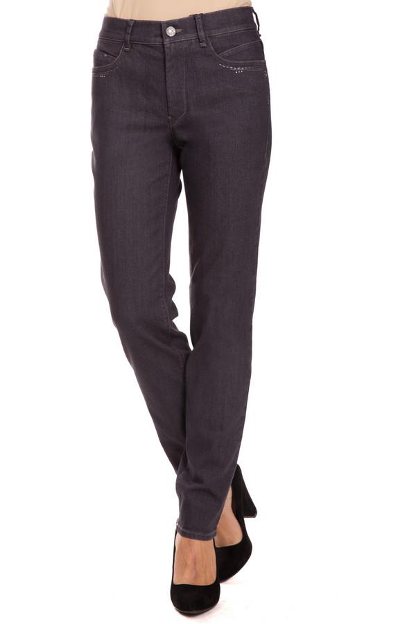 Джинсы GardeurДжинсы<br>Практичные женские джинсы Gardeur серого цвета. Это изделие было выполнено из хлопка, полиэстера и эластана. Такую вещь можно носить в любое время года. Штаны средней посадки. Дополнены мелкими серебристыми камнями. Отлично сочетаются с разной одеждой. Универсальный вариант для повседневного образа.<br><br>Размер RU: 44K<br>Пол: Женский<br>Возраст: Взрослый<br>Материал: эластан 3%, полиэстер 10%, хлопок 87%<br>Цвет: Серый